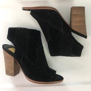 Cute heels, very gently worn!